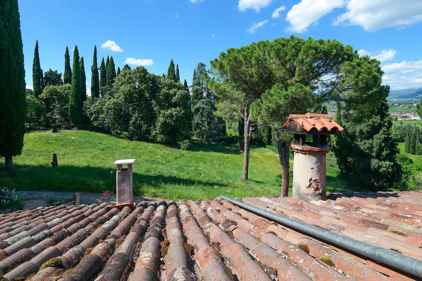 In Villa Storia ampio bilocale arredato con terrazza